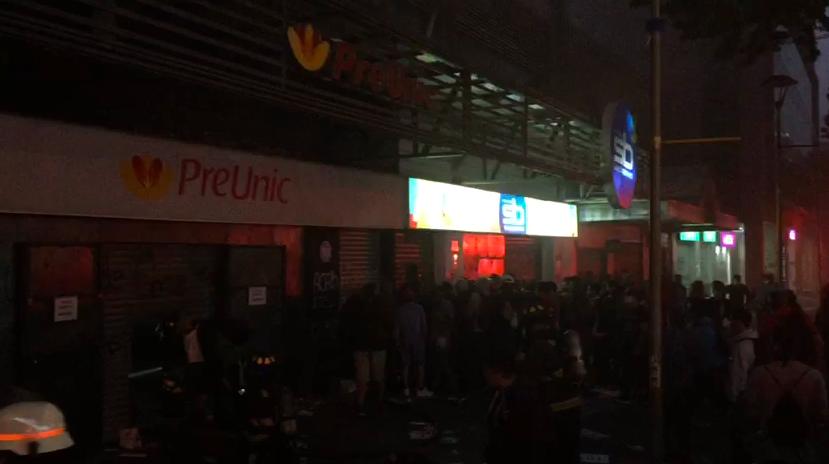 Violenta protesta en Concepción terminó con saqueos en locales y daños en oficina del Sename - Canal 9 Bío Bío Televisión